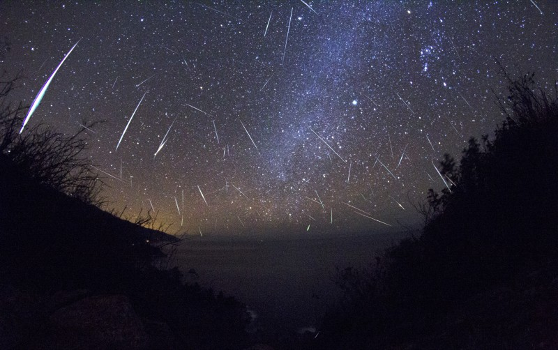 Geminid Meteor Shower: Dust From an Asteroid