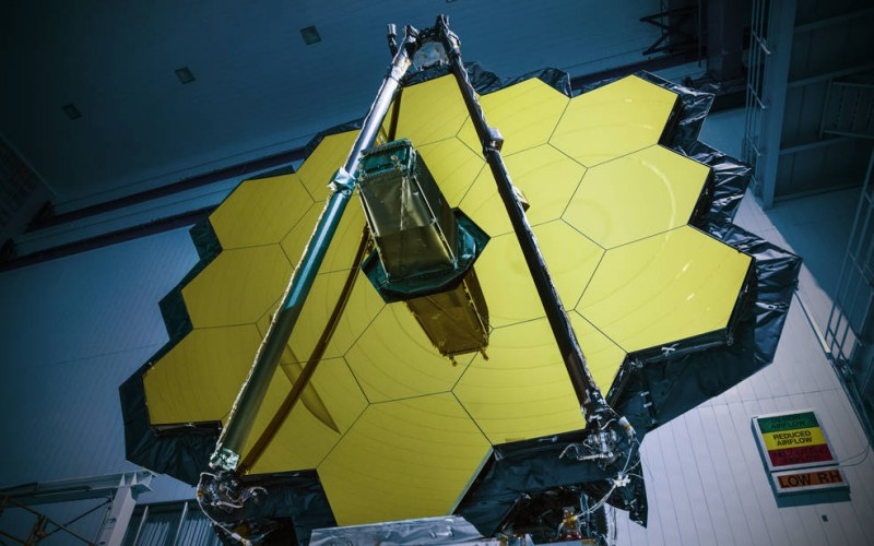 NASA's James Webb Space Telescope Arrives in California for Final Assembly (Photos)