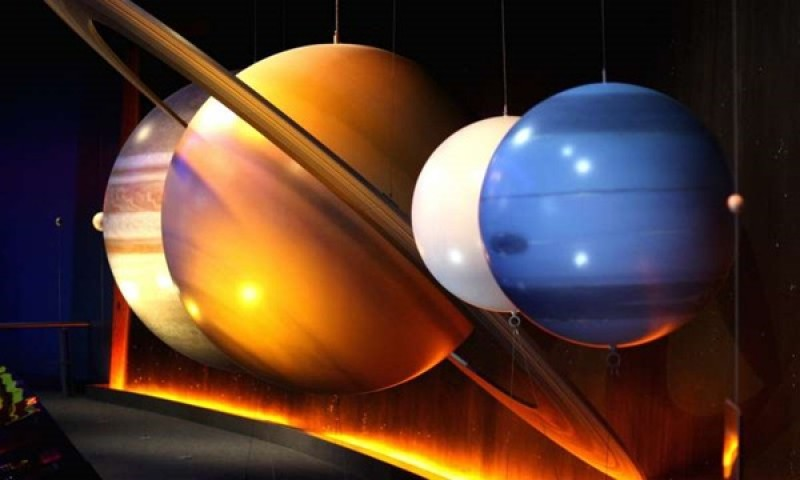 The five brightest planets align in the night sky