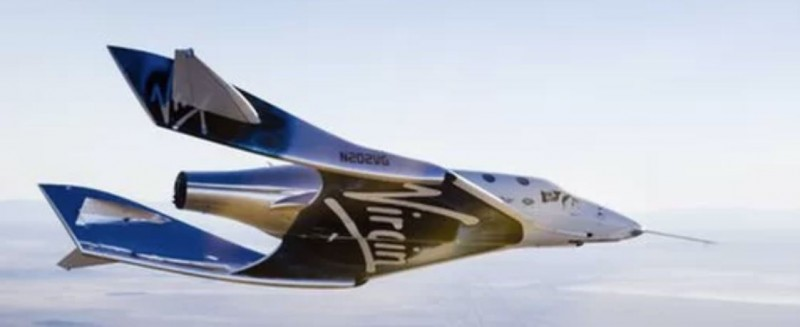 Richard Branson says Virgin Galactic will take people to space before Christmas