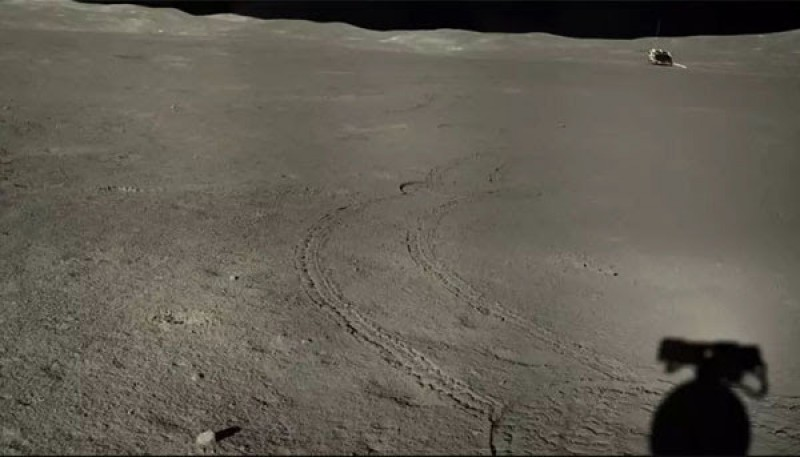 New Images from China's Chang'e 4 as Eighth Lunar Day Ends