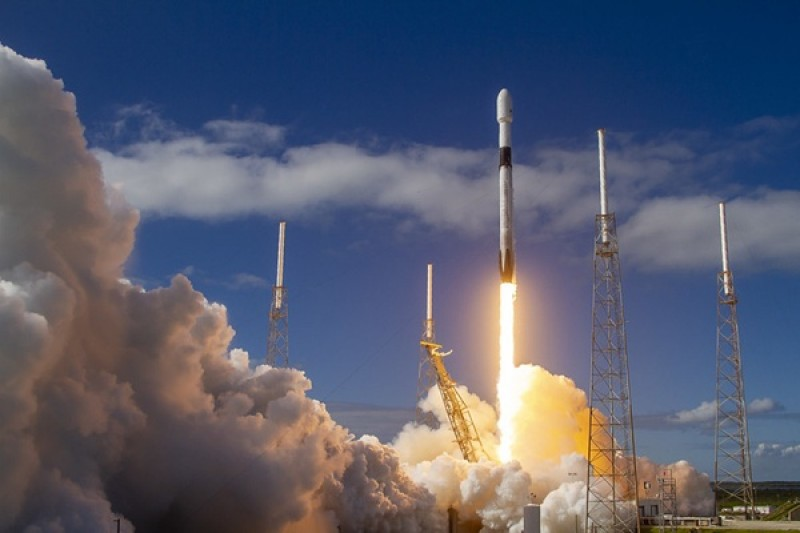 SpaceX releases 60 more Starlink satellites to orbit