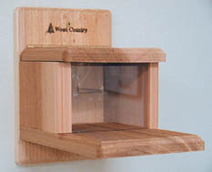 Backyard Nature Products Squirrel Feeder (Munch box)